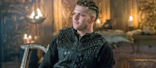 Ivar é interpretado pelo ator Alex Høgh. (Reprodução/History)