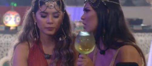 Ivy conversa com Gizelly sobre Mari. (Reprodução/TV Globo)