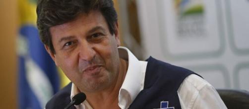 Ministro da Saúde Mandetta aparece em live de Marília Mendonça. (Arquivo Blasting News)