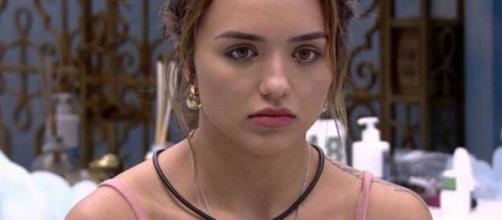 Rafa Kalimann foi acusada de ter feito três abortos pela influenciadora Ana Rosa Tanos. (Reprodução/TV Globo)