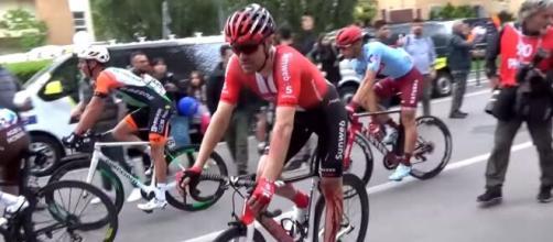 Tom Dumoulin ferito al Giro d'Italia dello scorso anno.