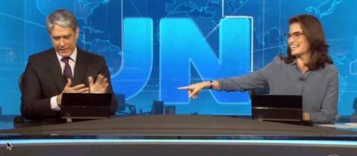 William Bonner se emociona após reportagem sobre isolamento social. (Reprodução/TV Globo)