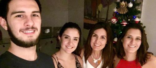 Fátima Bernardes passou o dia das mães em casa com os trigêmeos. (Arquivo Blasting News)