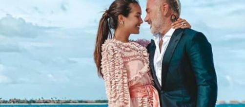 Gianluca Vacchi e Sharon Fonseca aspettano il primo figlio, l'annuncio con un video su Instagram