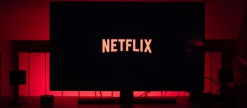 Los films de Netflix son una opción para distraerse en casa, durante las largas horas de aislamiento social. - radiofonica.com