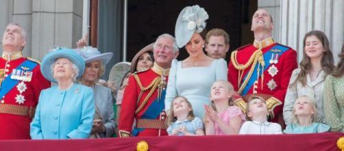 Membro da família real, o príncipe Charles testou positivo para o coronavírus. (Arquivo Blasting News)