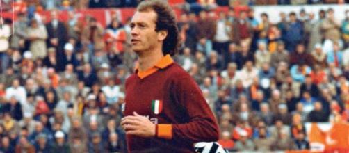 Paulo Roberto Falcao in una foto della stagione 1983/84.