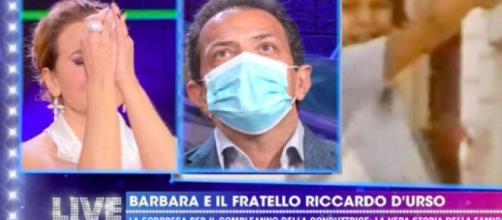 Barbara D'Urso commossa durante la diretta Live - Non è la D'Urso