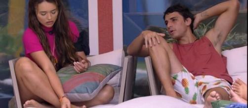 """""""BBB20"""": Rafa e Felipe Prior brigam nas redes sociais. (Reprodução/TV Globo)"""