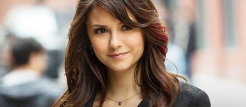 """Nina Dobrev interpretava Elena em """"The Vampire Diaries"""". (Reprodução/Instagram/@thecwtvd)"""