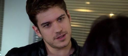 Rafael vai fazer questão de humilhar Zuleika em 'Fina Estampa'. (Reprodução/TV Globo)