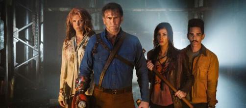 Signo de 5 celebridades que fazem parte do elenco da série 'Ash vs Evil Dead'. (Arquivo Blasting News)