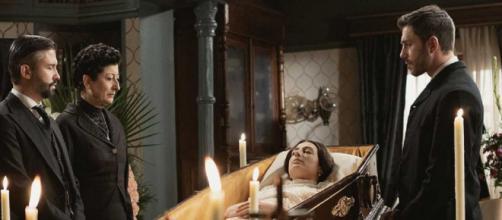 Una Vita, spoiler spagnoli: la Alvarado lascia ogni suo bene a Telmo e Mateo.