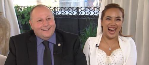 '90 Day Fiance's' David Toborowsky, Annie Suwan inspires the Internet with an adorable video. [Image Source: Access/ YouTube]