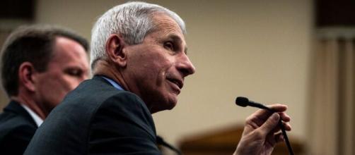 Anthony Fauci se ha convertido en una de las fuentes confiables de información durante el coronavirus - nytimes.com