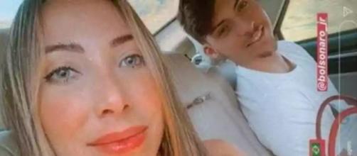 Namorada de filho de Bolsonaro perde tia para covid-19 e alerta: 'Não é gripezinha'. (Arquivo Blasting News)