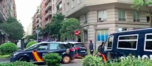 Policía en la calle Núñez de Balboa dispersando la manifestación improvisada