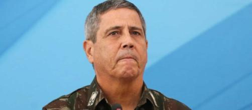 Braga Netto afirma que Bolsonaro não queria trocar a superintendência da PF no RJ. (Arquivo Blasting News)