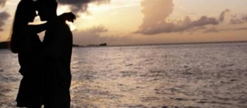 Certos signos do zodíaco entrarão em um relacionamento apenas se amar de forma verdadeira a pessoa. (Arquivo Blasting News)