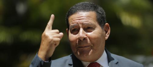 General Mourão defende ministros (Fonte: Blasting News)