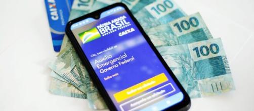 Caixa informa data de início de pagamento da segunda parcela do auxílio emergencial. (Arquivo Blasting News)