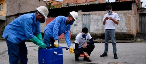 Especialistas do RJ alertam sobre possibilidade de contaminação em larga escala do novo coronavírus através do esgoto. (Arquivo Blasting News)