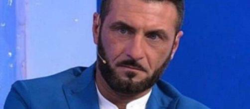 Sossio Aruta dopo il GF Vip vende la frutta ma sogna di fare l'allenatore di calcio.