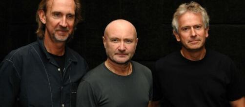 Mike Rutherford, Phil Collins e Tony Banks formam uma das bandas mais influentes do rock progressivo (Foto: Divulgação /Genesis)