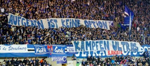File:Supporters du Racing Club de Strasbourg (RCSA) - banderole de ... - wikimedia.org