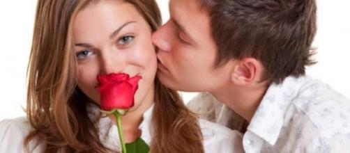Mesmo com dificuldades alguns signos do zodíaco tentam demonstrar o seu amor. (Arquivo Blasting News)