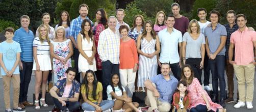Neighbours, la serie australiana a cui è ispirata Un posto al sole.