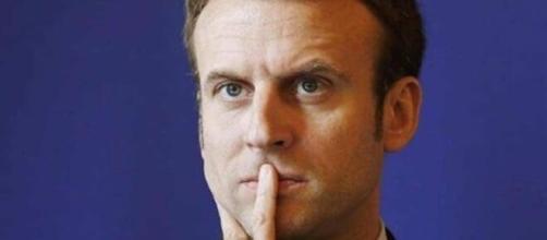 En visite à la La Pitié-Salpêtrière, Emmanuel Macron en a pris pour son grade - credit photo Le tribunal du net