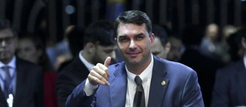 Flávio Bolsonaro teria recebido informação privilegiada sobre operação da PF. (Arquivo Blasting News)