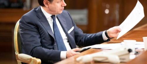 Giuseppe Conte ha accelerato sulla riapertura della Fase 2 contro il parere del comitato tecnico scientifico.