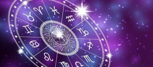 Horóscopo semanal: confira as previsões para o seu signo a partir de 19/05. (Arquivo Blasting News)
