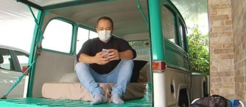 Enfermeiro dorme dentro de carro há dois meses para evitar contágio da família. (Reprodução/TV Globo)