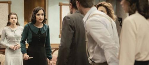 Il Segreto, anticipazioni spagnole: Rosa minaccia di uccidere la sorella Carolina.