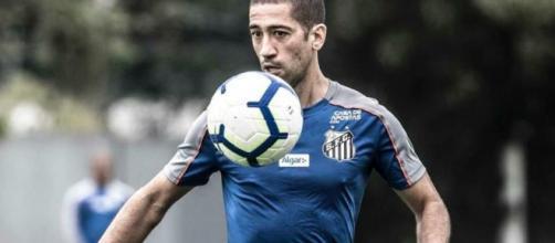 Time mineiro já mostrava interesse em Evandro, o clube conta com jogador em julho, mas, o Santos quer renovar o contrato ( Ivan Storti/Santos FC)