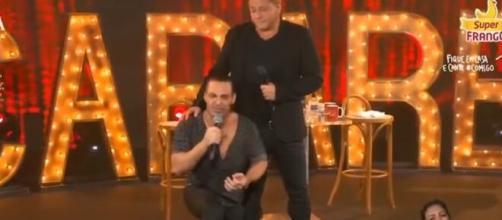 Eduardo Costa e Leonardo realizaram a live 'Cabaré' na última sexta-feira (1º). (Reprodução/Youtube/@eduardocosta)