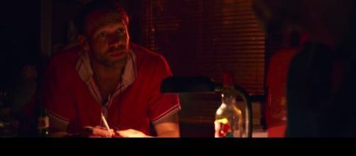 """""""Estranhos em Casa"""" já está disponível na Netflix. (Reprodução/Netflix)"""