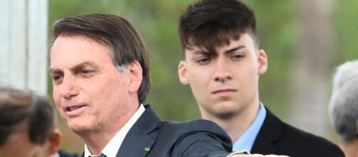 Filho de Bolsonaro é banido de plataforma. (Arquivo Blasting News)
