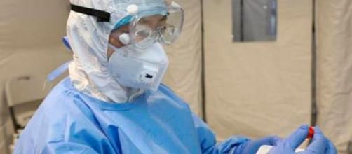 Científicos chinos dicen tener un medicamento que cura el coronavirus