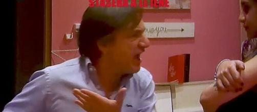 Le Iene scherzo a Fabio Caressa.