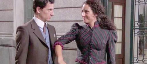 Una Vita, trame spagnole: Antonito propone a Lolita di scappare in America.