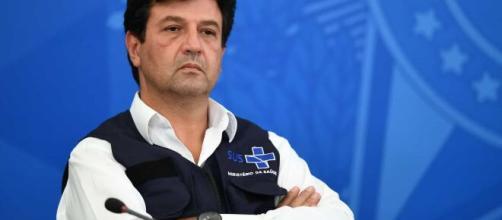 Ex-ministro acusa o presidente de tentar alterar a bula da cloroquina. (Arquivo Blasting News)