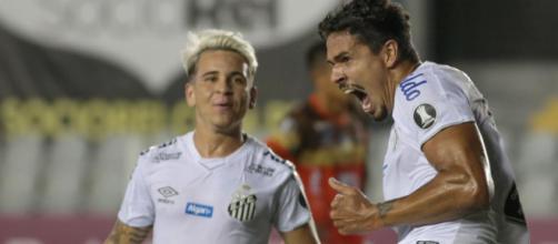 Presidente do Santos declara que Lucas Veríssimo merece jogar no exterior na próxima temporada. (Arquivo Blasting News)