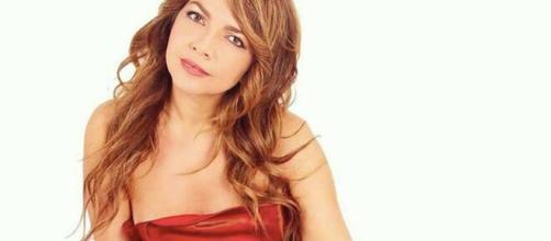 Cristina D'Avena è innamorata: 'Ogni giorno disinfetto il mio fidanzato segreto'.