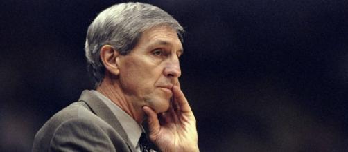 Jerry Sloan se convirtió en uno de los técnicos más respetados en la historia de la NBA. - ezanime.net