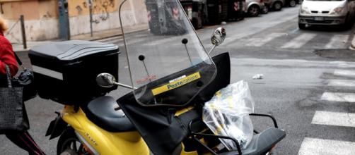 Lavoro, Poste Italiane cerca portalettere per l'estate in tutta Italia.