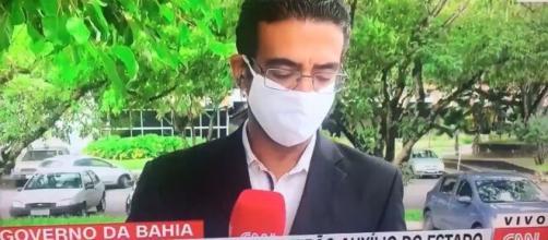 O repórter contratado pela CNN Brasil, Jhonatã Gabriel, assustou os telespectadores ao deixar a transmissão. (Reprodução/CNN)